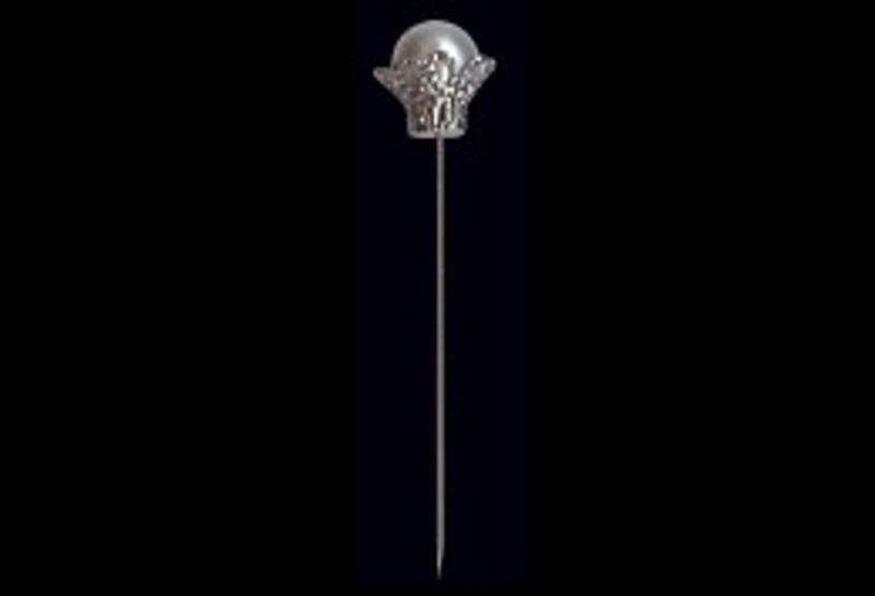 Alfiler corona perla banca ref.2-2
