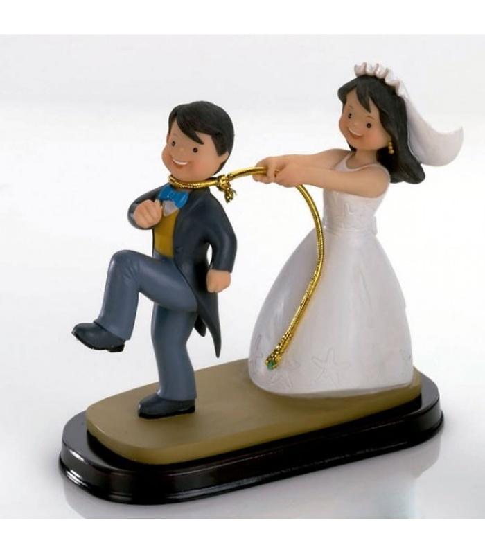 Figura tarta novia cogiendo al novio Ref.231
