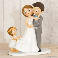 Figura pastel novios con niña