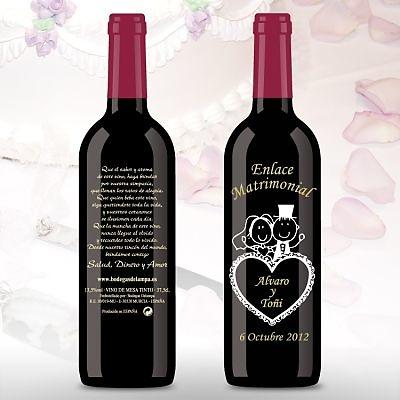 Botella de vino grabada corazón novios