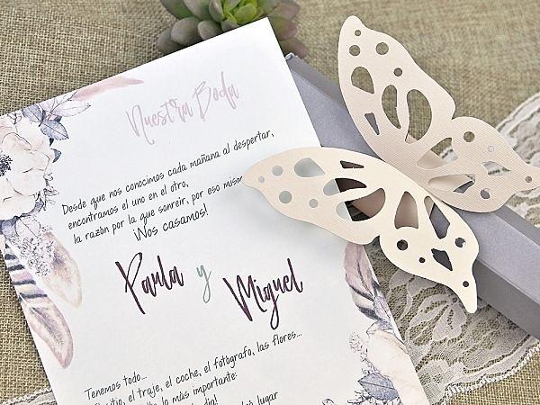 Invitación de boda pergamino mariposa 39619