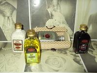 Baul mimbre y licor