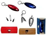 Multiusos destornillador, linterna y bolígrafo en caja